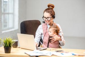 Smart Working: priorità a lavoratrici madri e genitori con figli disabili