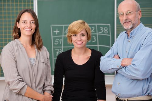 Ferie e permessi scuola: differenze tra precari e docenti di ruolo