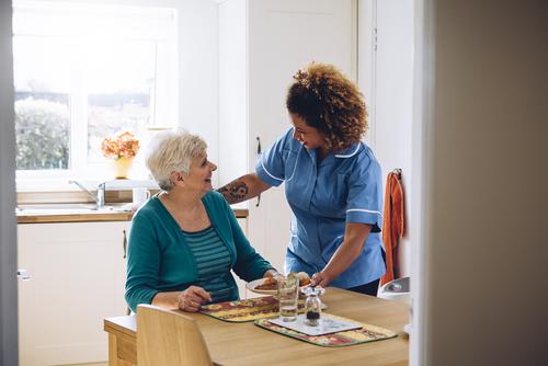 Assumere un lavoratore domestico: come fare e contratto